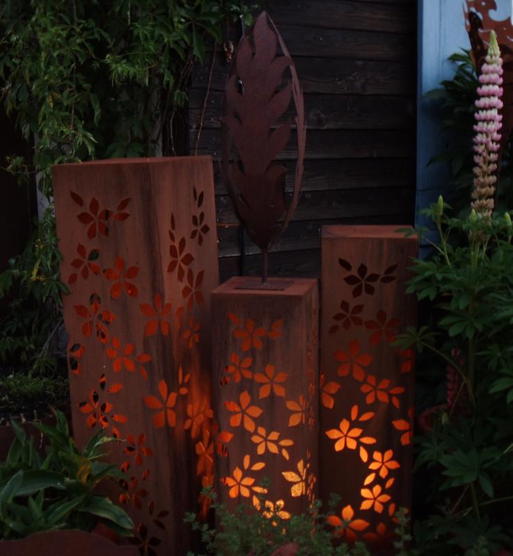 Metall dekorationsartikel lichts ulen feuerschalen und for Edelrost skulpturen garten