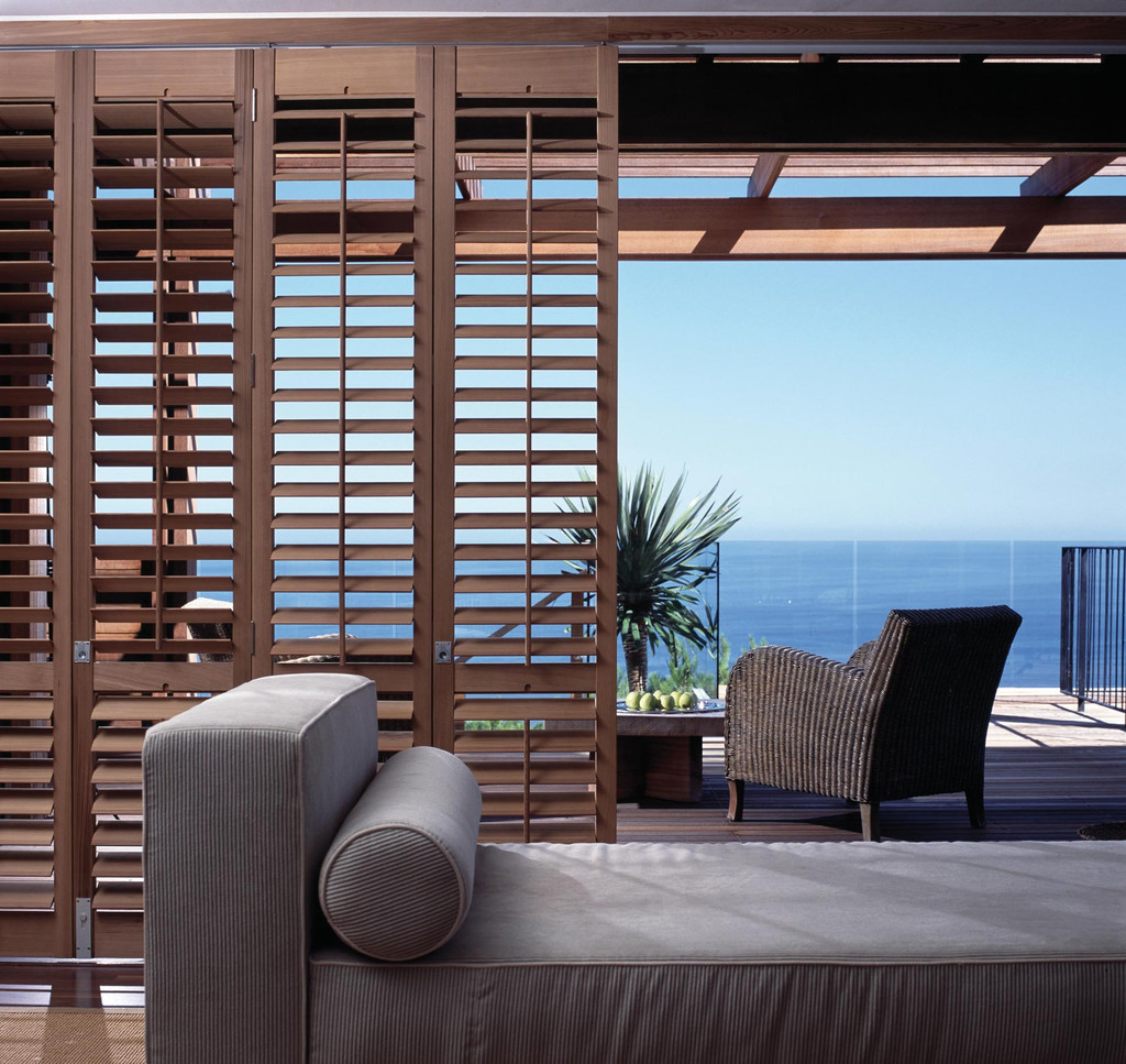 jalousien jalousien als sonnenschutz sichtschutz und blendschutz f r ihre fenster nice. Black Bedroom Furniture Sets. Home Design Ideas